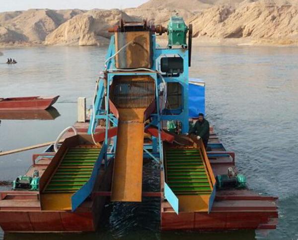 溜槽淘金船,河道采金船